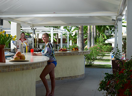 atlantica oasis hotel all inclusive pool bar