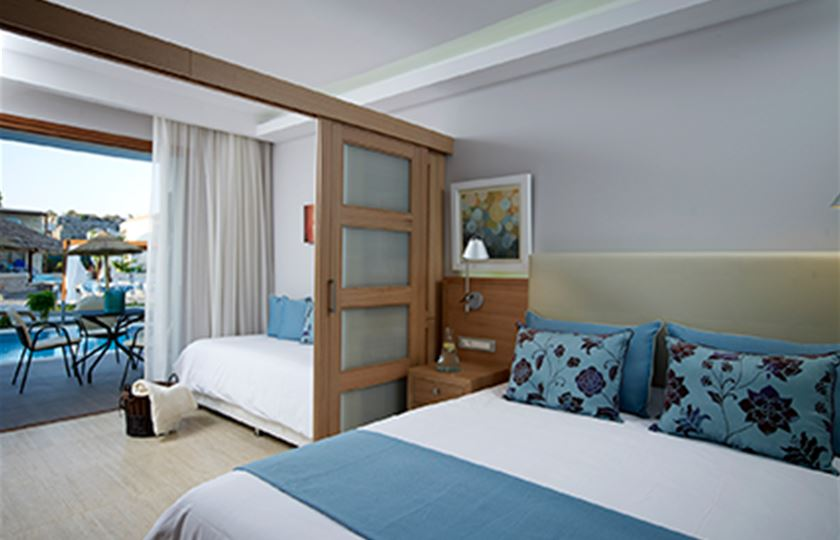 Atlantica hotels atlantica holiday village rhodes for Hotels with family rooms for 5