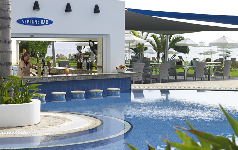 Atlantica Sea Breeze - Neptune pool & wet bar