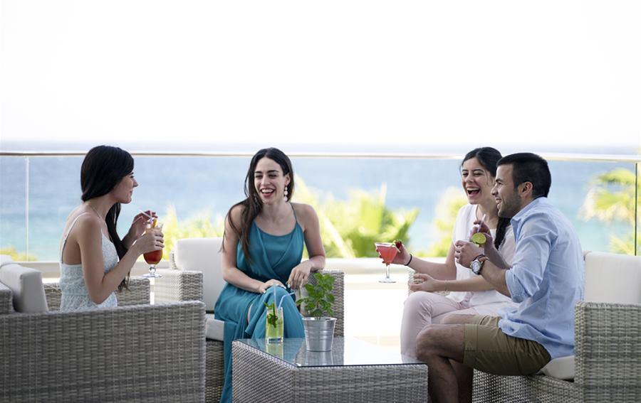 atlantica sea breeze hotel atlantica hotels. Black Bedroom Furniture Sets. Home Design Ideas