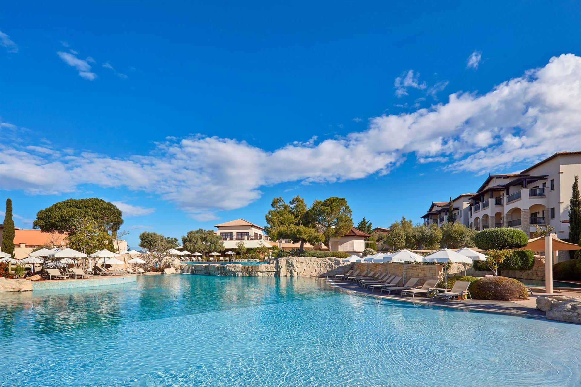 Aphrodite hills hotel atlantica hotels for Garden hills pool hours