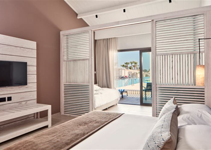 Atlantica Mare Village - Family Room Sliding Door Swim Up