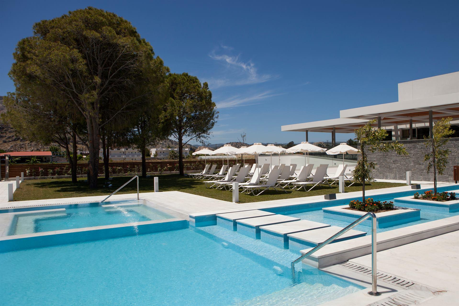 Atlantica Tropical Suites Hotel