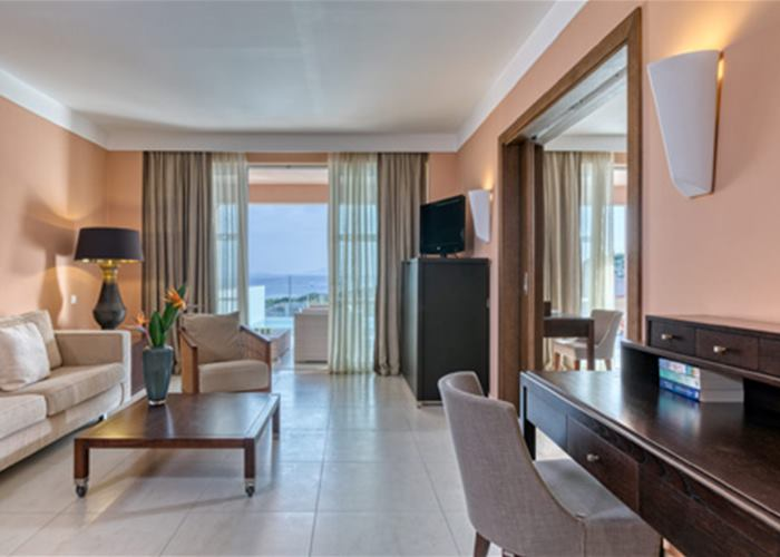 Atlantica Belvedere Resort - Suite with Private Pool Sea View