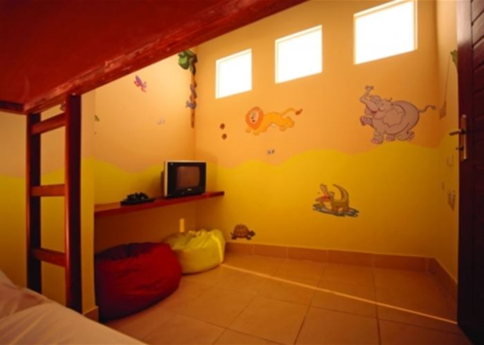 Kids den room