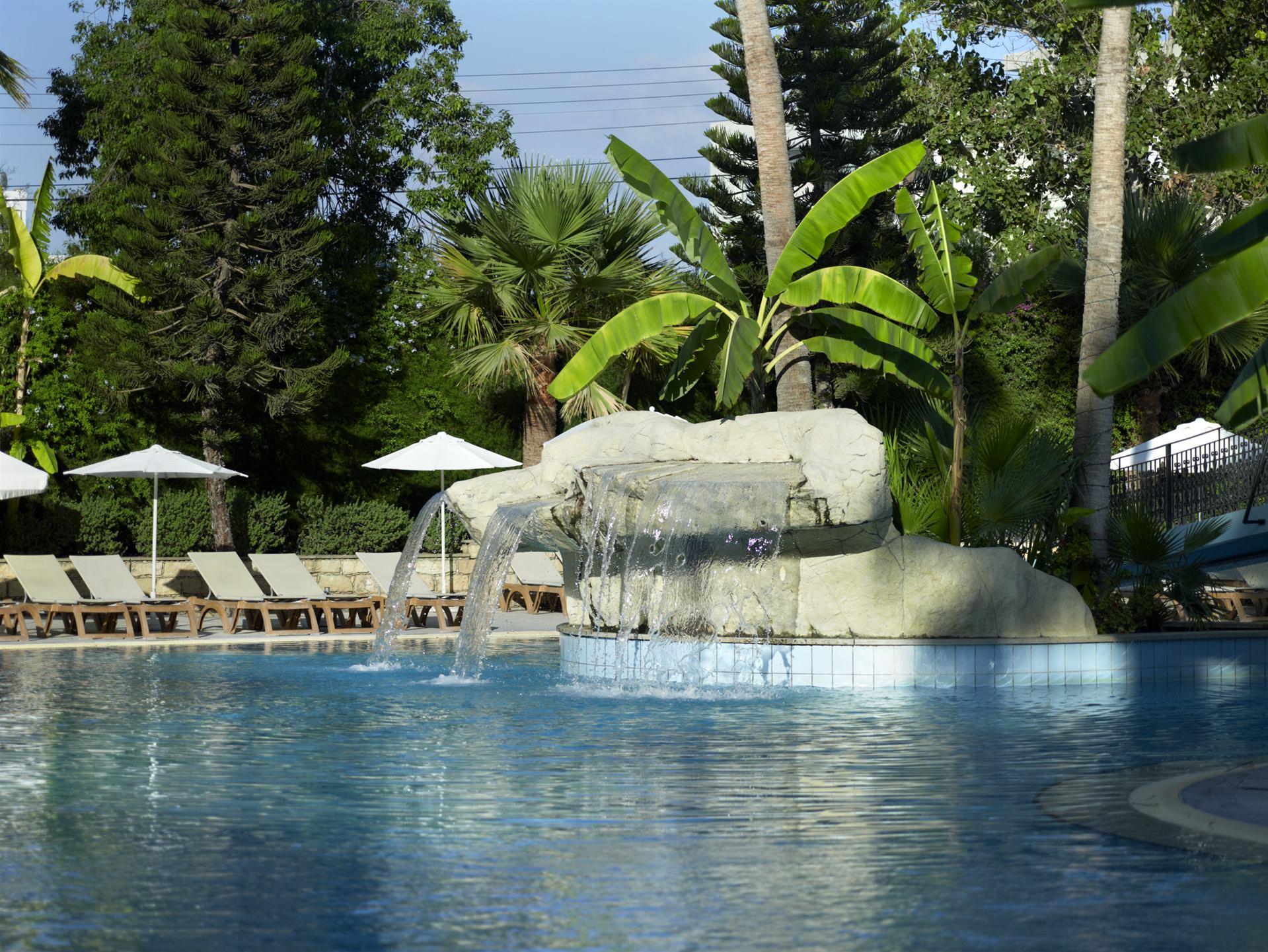 Atlantica Oasis 4 (Cyprus, Limassol): description and reviews of tourists 81